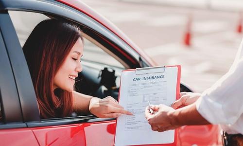 woman car insurance